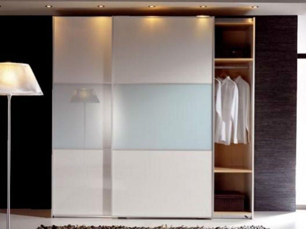Casa residencial familiar armarios puertas correderas - Armarios de cristal ...