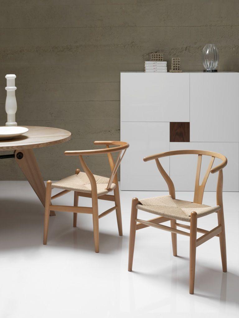 Silla con una estructura madera curva elegante y robusta for Sillas salon diseno
