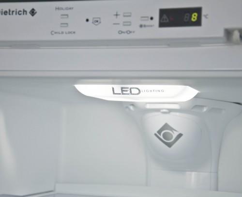 Detalle interior de frigorífico DeDietrich