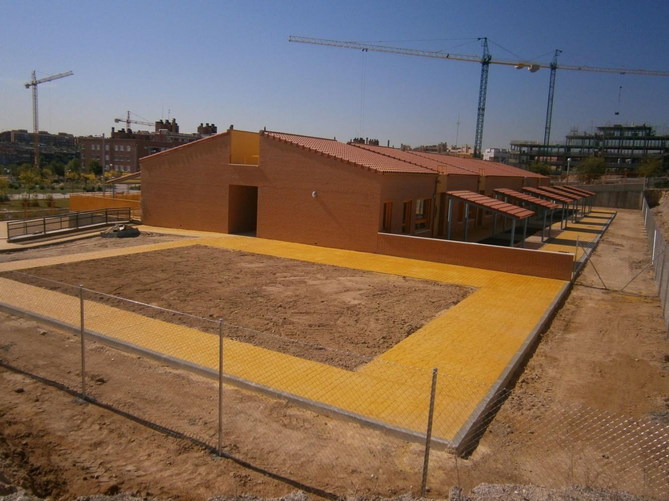 Madrid espa a reynalco sucroal carpinteria de for Piscina municipal coslada