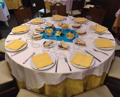 montaje mesa redonda eventos