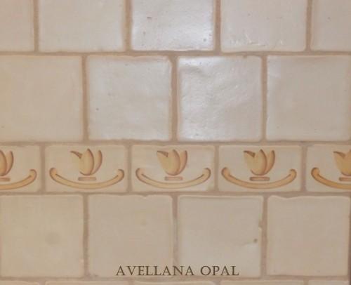 ESMALTADO EN 13X13X1 AVELLANA OPAL. CENEFA OP 103.