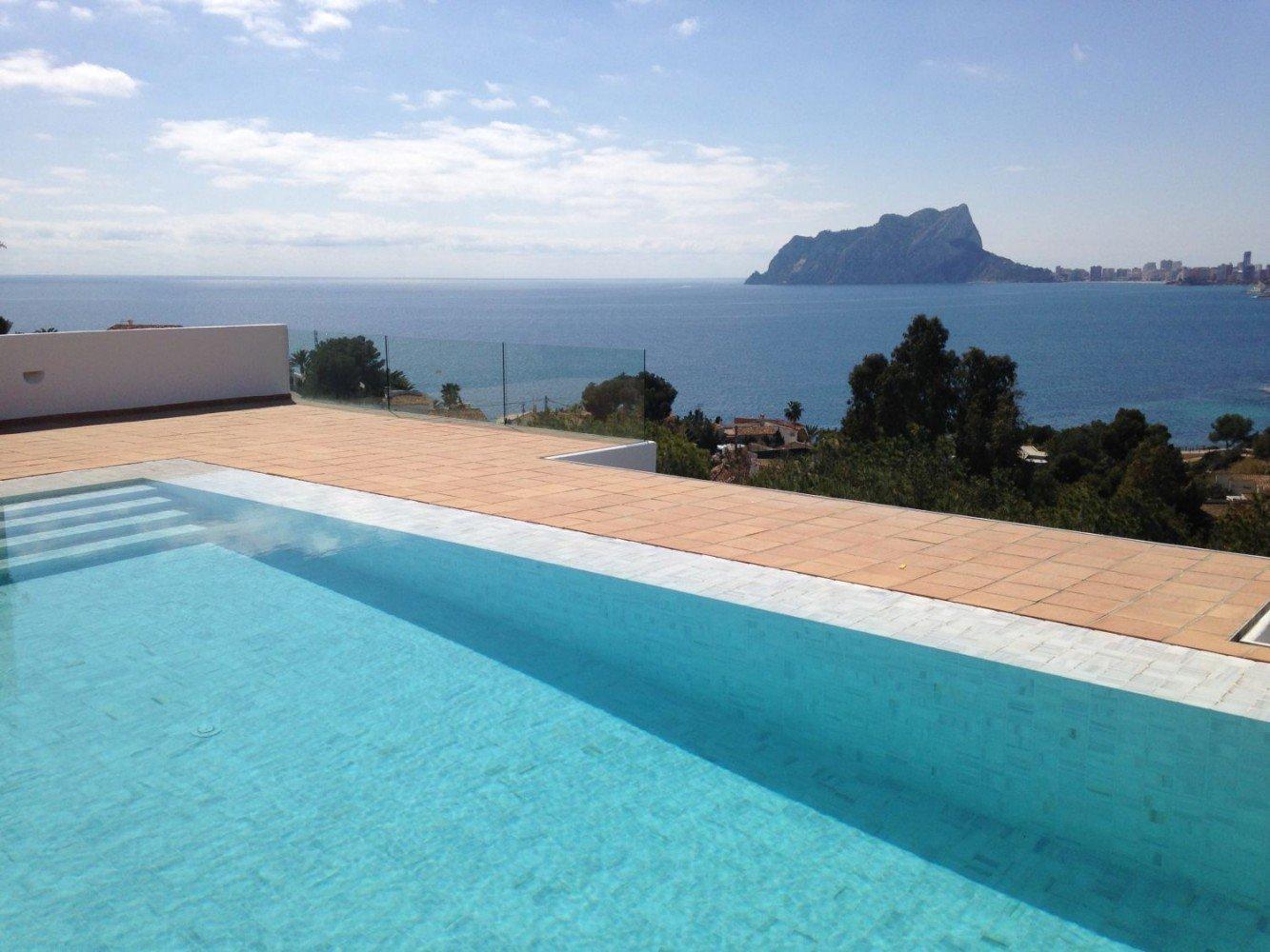 Baldosas de barro para piscinas pavimentos de barro for Pavimentos para piscinas
