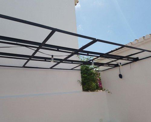 Estructura de hierro para techo de cañizo
