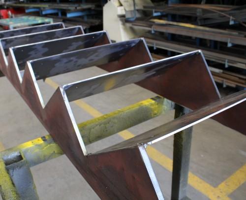Escalera hierro negro para peldaños madera