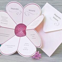 invitación flor corazones