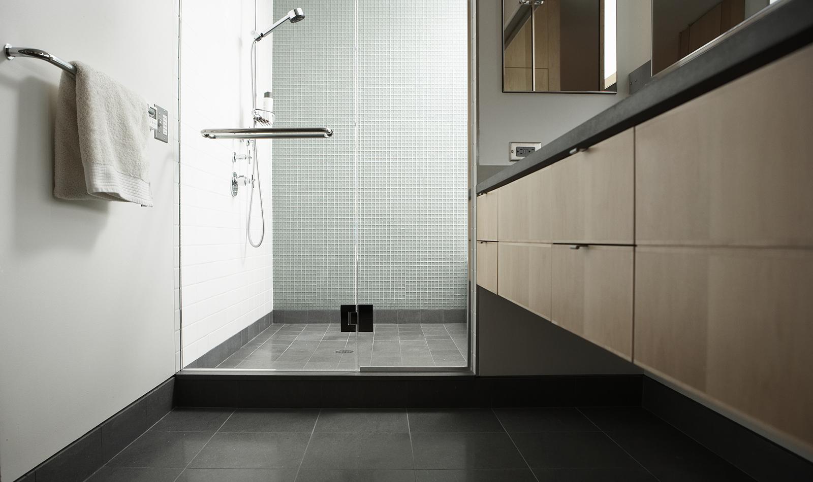 Disponemos de los mejores proveedores y materiales para la reforma de su baño....actualízate